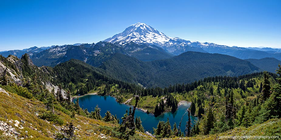 Landscape Photography - Panoramic photo of Mount Rainer - Mount Rainier National Park, Washington, USA